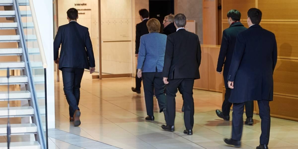 Reinician negociaciones para formar gobierno en Alemania
