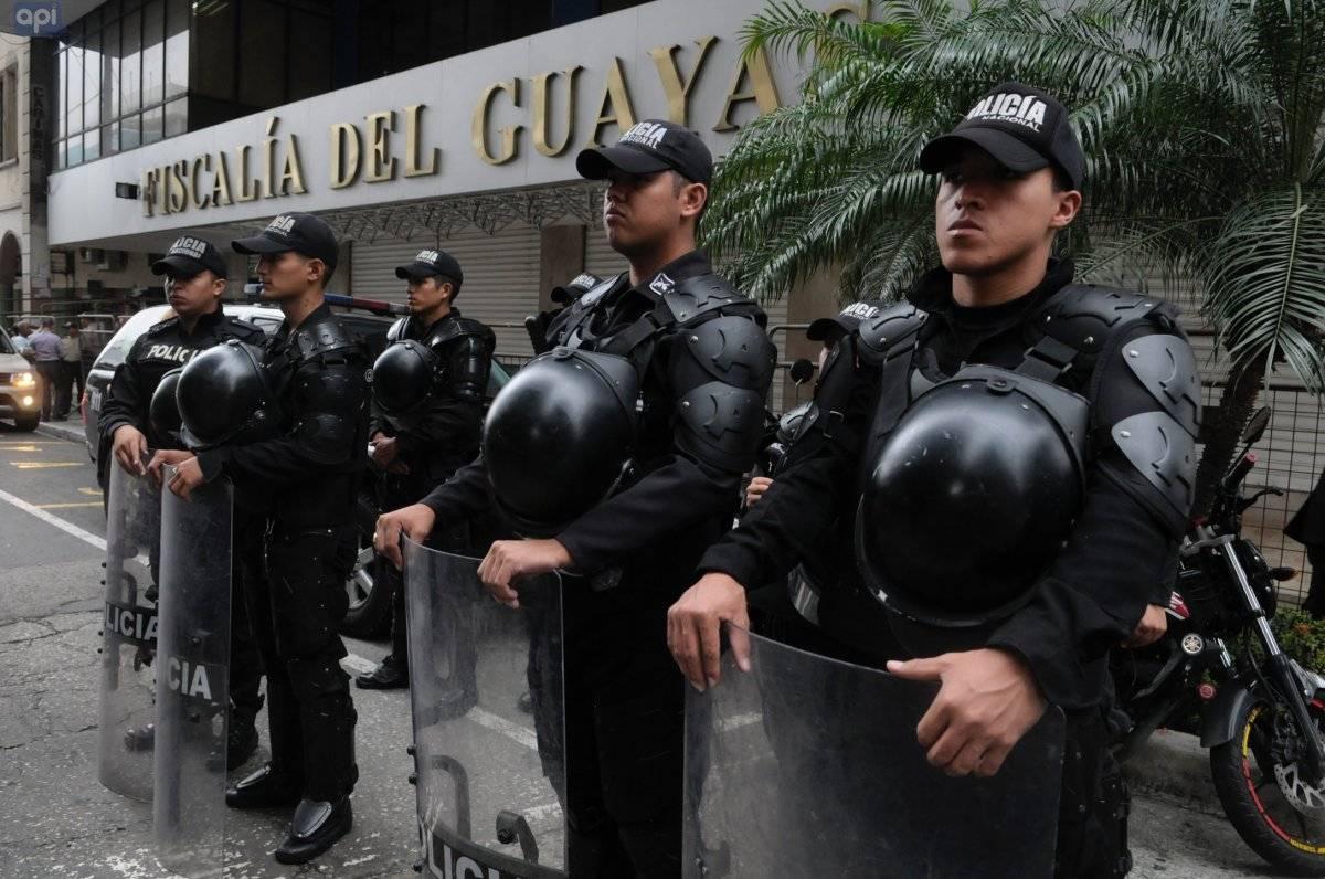 Rafael Correa acudió a la fiscalía provincial del Guayas a rendir su declaración en el caso Petrochina API
