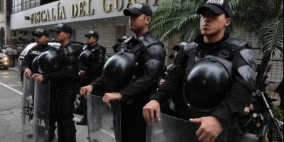 Rafael Correa acudió a la fiscalía provincial del Guayas a rendir su declaración en el caso Petrochina