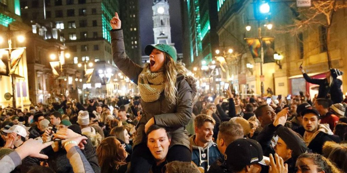Festejos del Super Bowl llenan las calles de Filadelfia