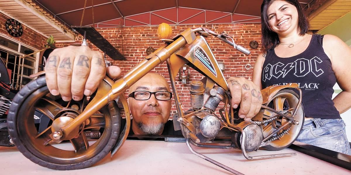Artesão de Maringá ganha a vida produzindo réplicas de motocicletas consagradas