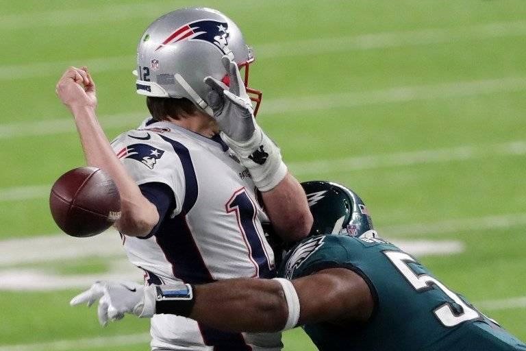 Tom Brady pierde el ovoide