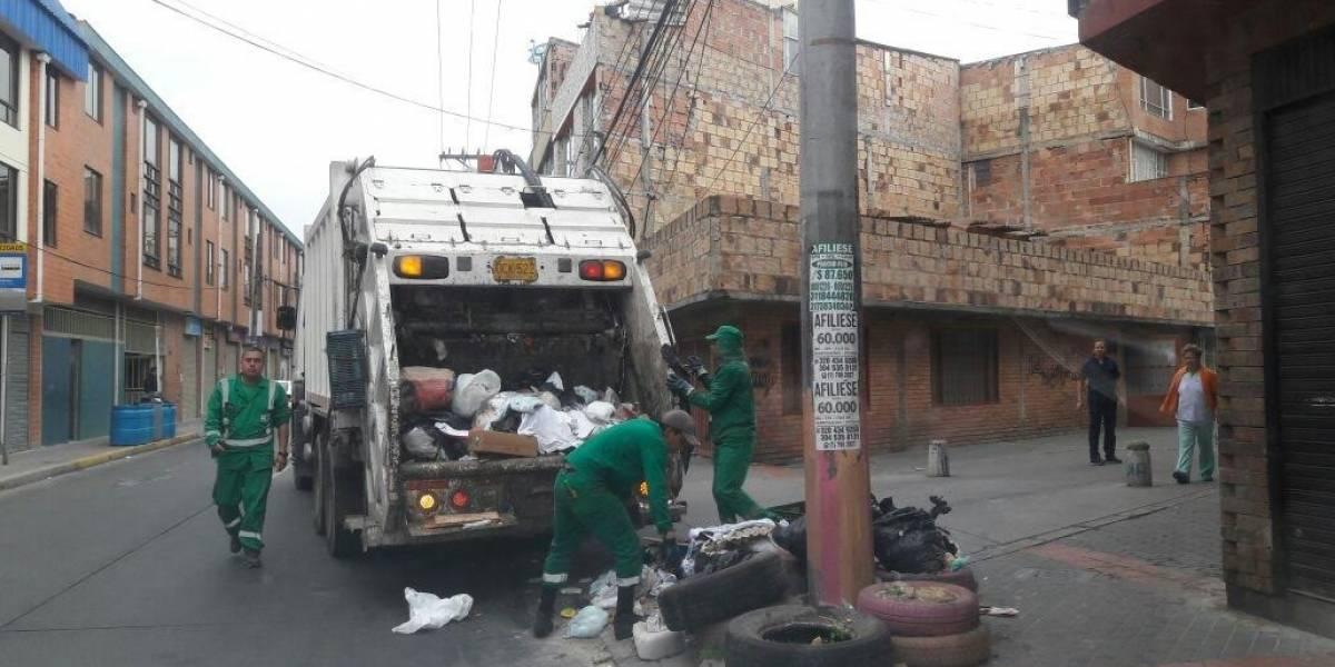 Trabajador de Bogotá Limpia murió electrocutado mientras recolectaba basuras