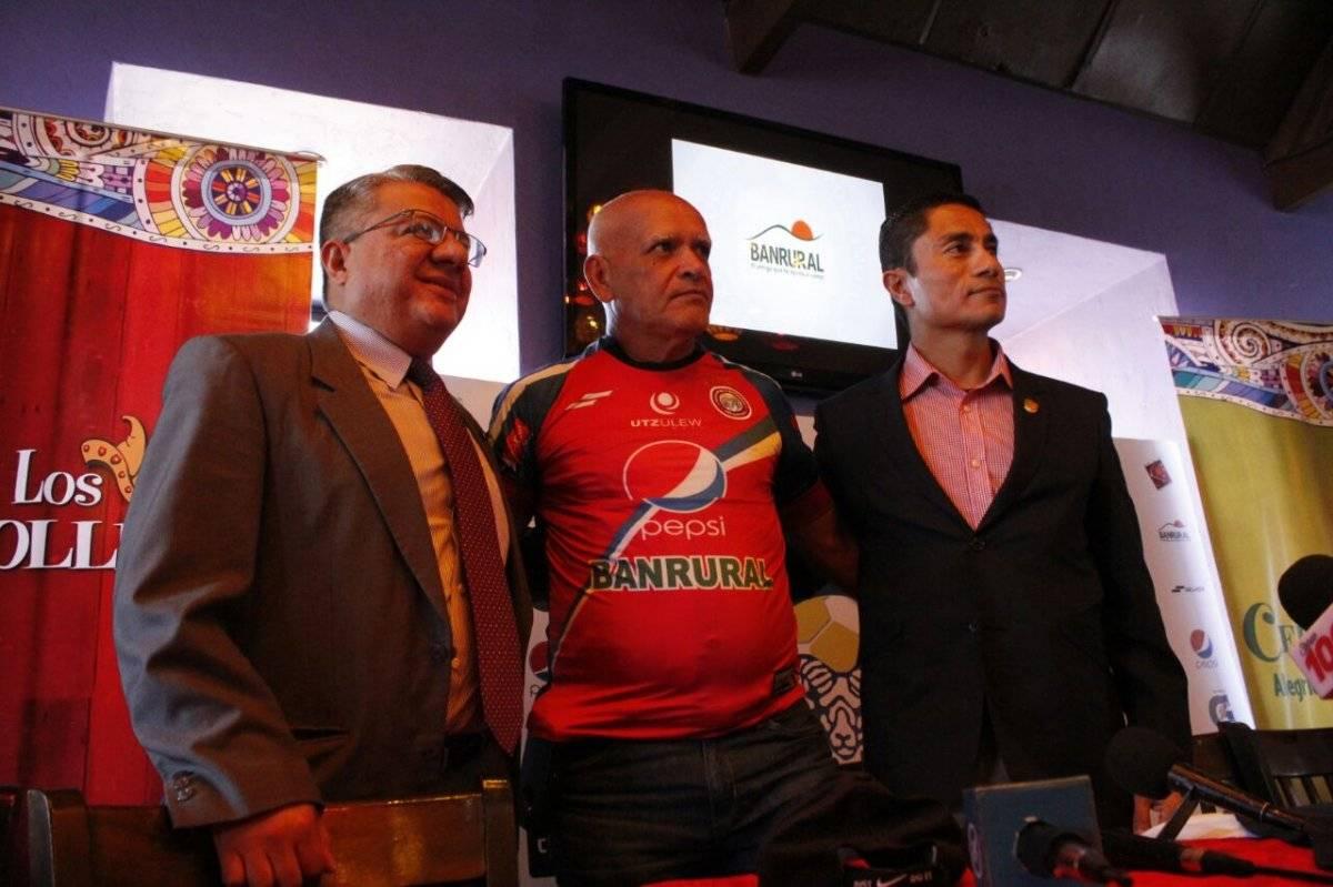 El técnico nacional llega en lugar de Ronald Gómez.