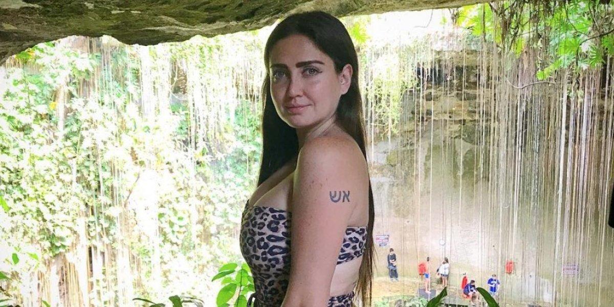 Celia Lora publicó atrevidas fotos en traje de baño