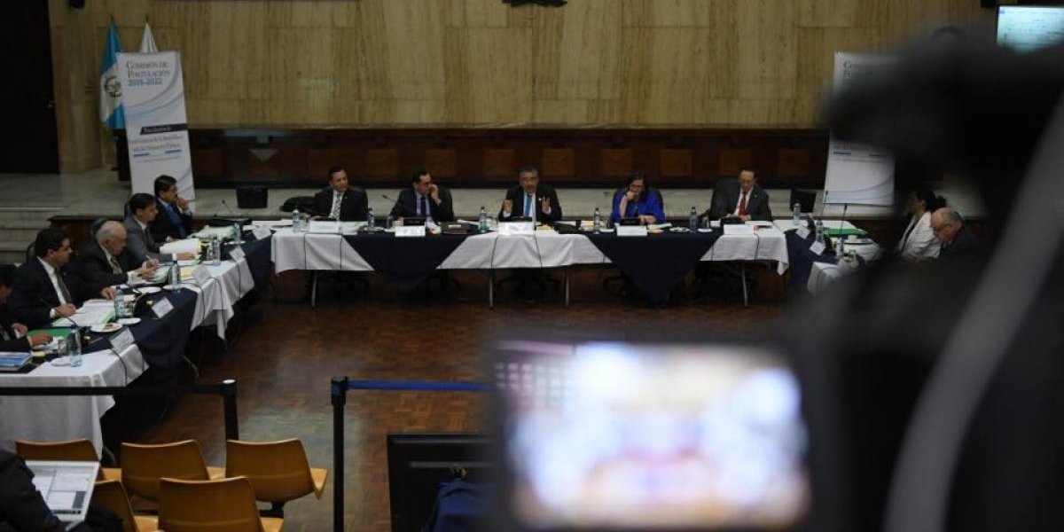 Acción Ciudadana presenta impedimento contra aspirante a fiscal general