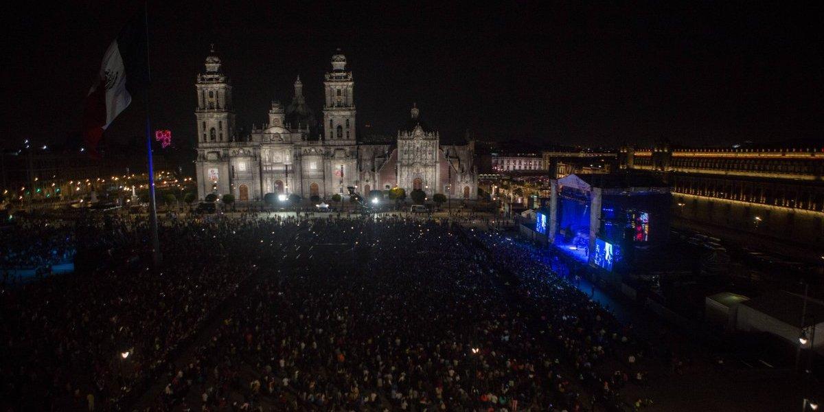 Celebraron el mes del 'Amor y la Amistad' a ritmo de cumbia en el Zócalo