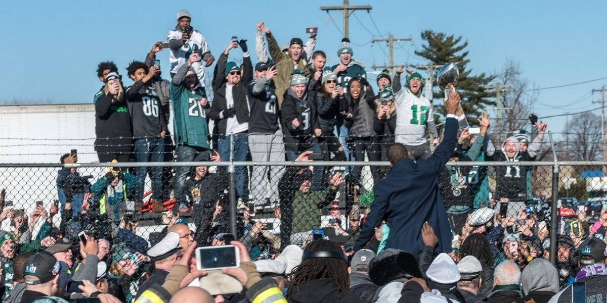 Filadelfia recibe a los Eagles con una multitud