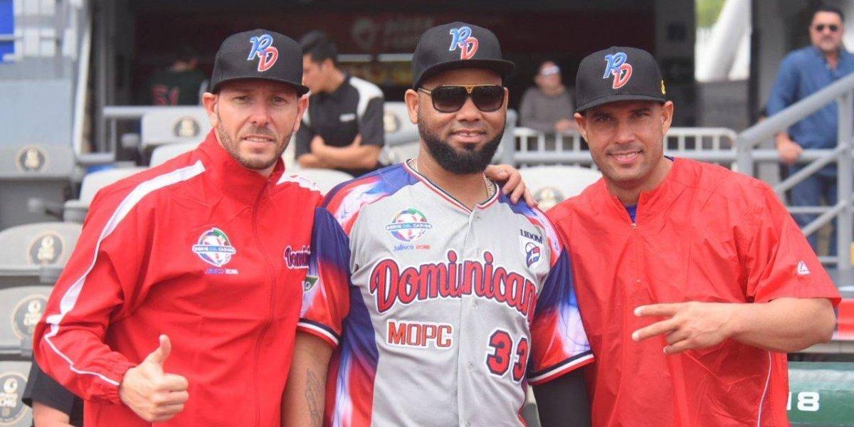 Maya, Bueno y Valdés, tres cubanos que lanzan del otro lado del terreno en la Serie del Caribe