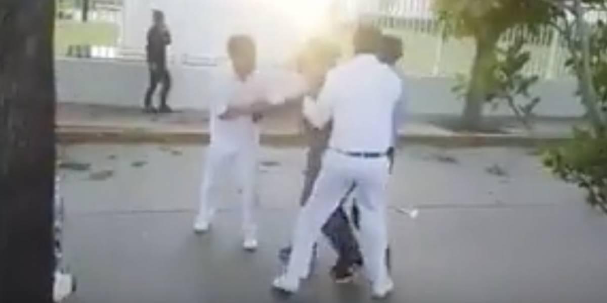 A joven lo asaltan por segunda vez y detiene al ladrón