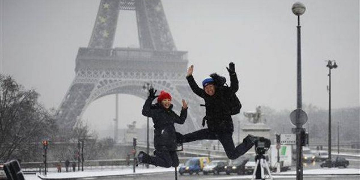 Cierran Torre Eiffel por nevada