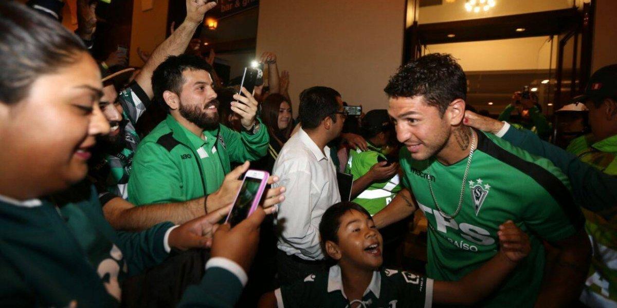 Wanderers tuvo carnaval en su llegada a Perú y ahora va por el golpe ante Melgar en la Libertadores
