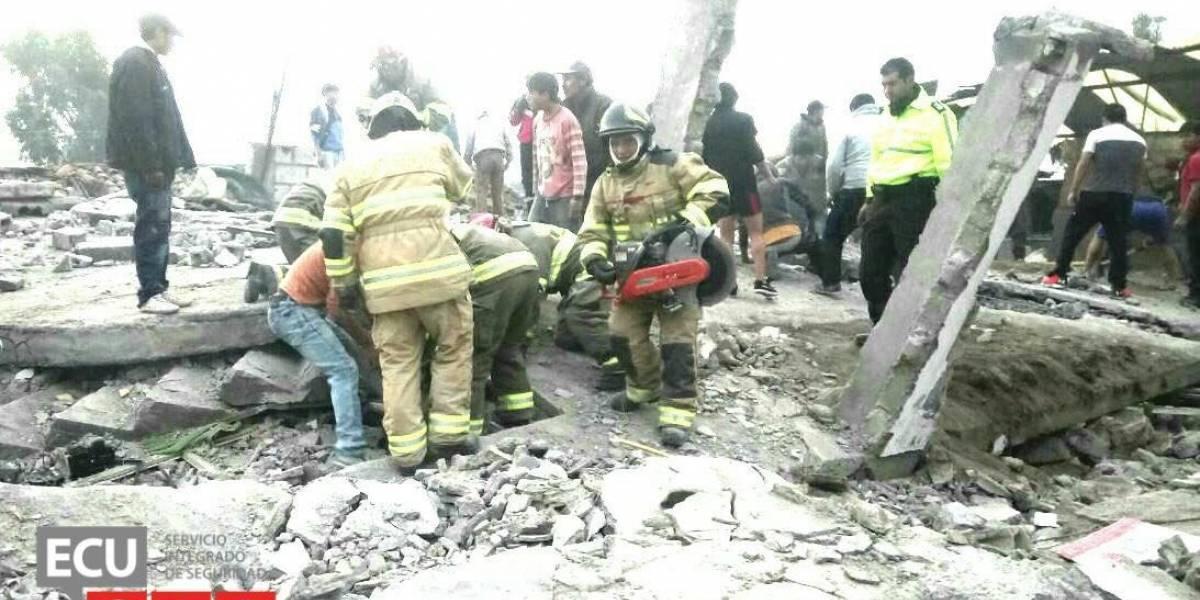 Explosión por acumulación de gas provocó colapso de una vivienda en Latacunga