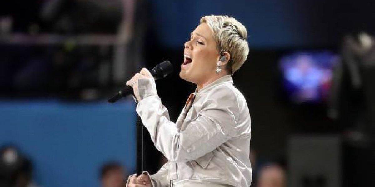Pink se defiende de las críticas tras vergonzoso momento en el Super Bowl