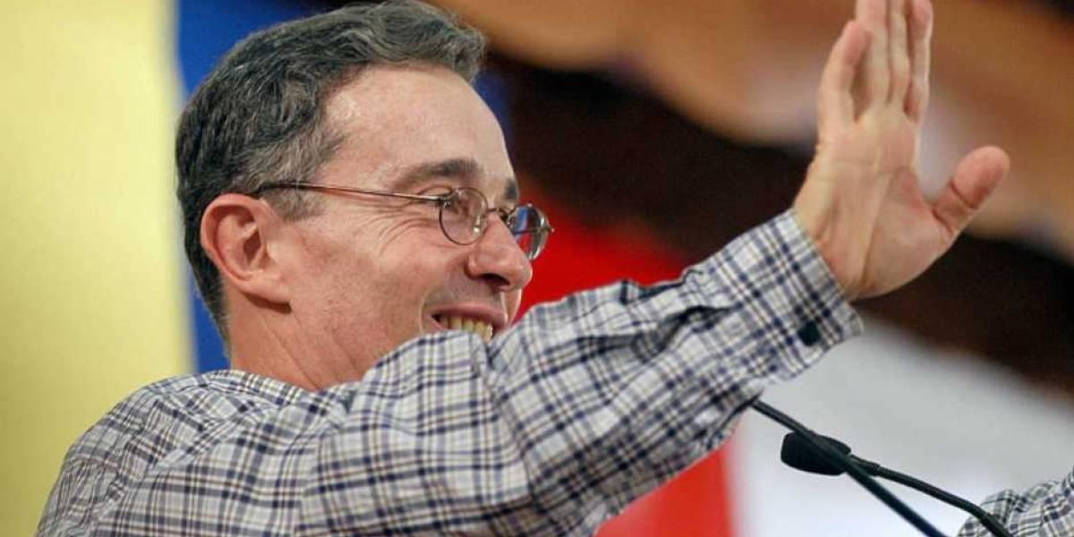Estas son las conversaciones que involucran a Uribe con el caso de falsos testigos
