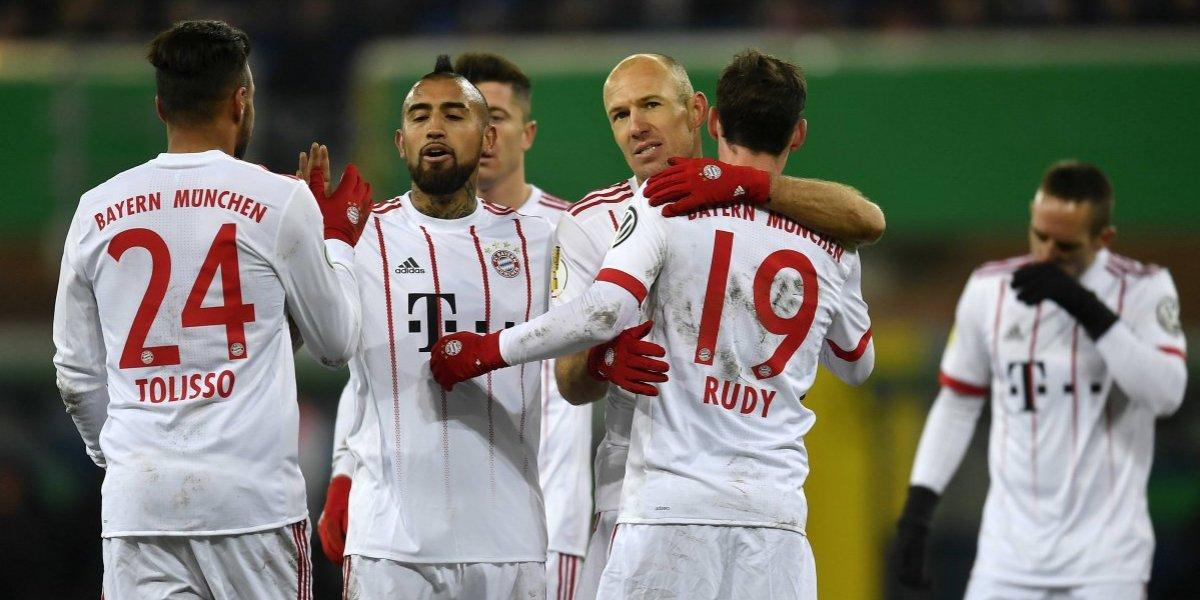 """Arturo Vidal se """"comió la mitad de la cancha"""" en nueva goleada de Bayern Munich"""