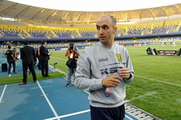 Francisco Bozán vive su primera copa internacional como DT / Foto: Agencia UNO