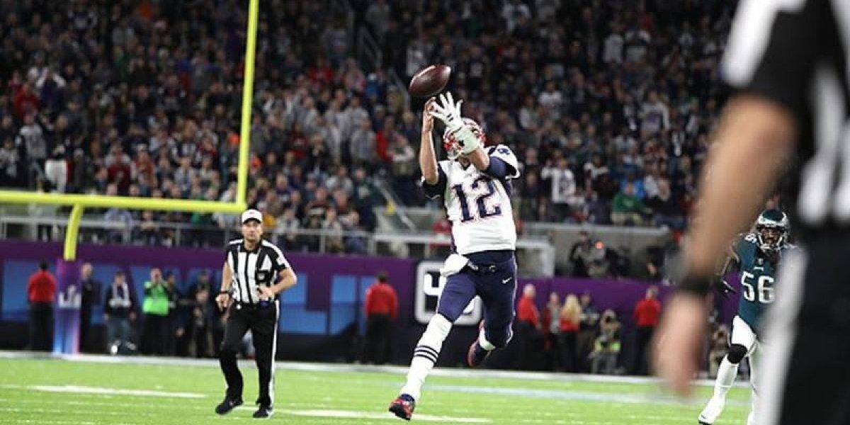Antonio Brown se ofrece para entrenar a Tom Brady