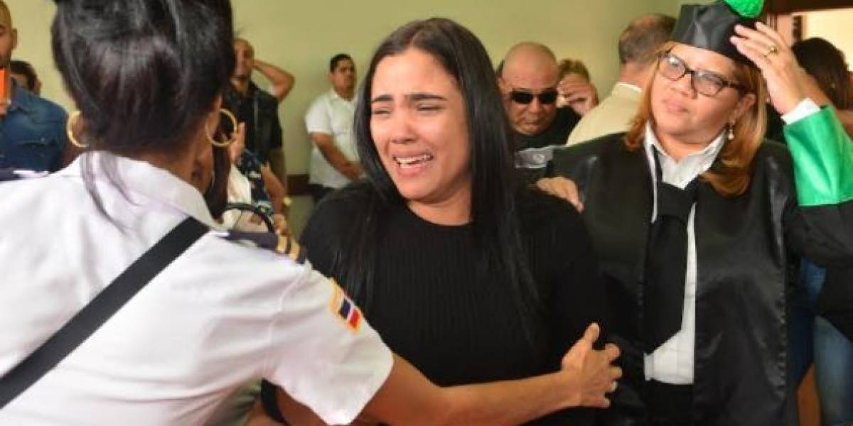 FOTOS Y VIDEOS: Dejan en libertad a cantante dominicana Martha Heredia