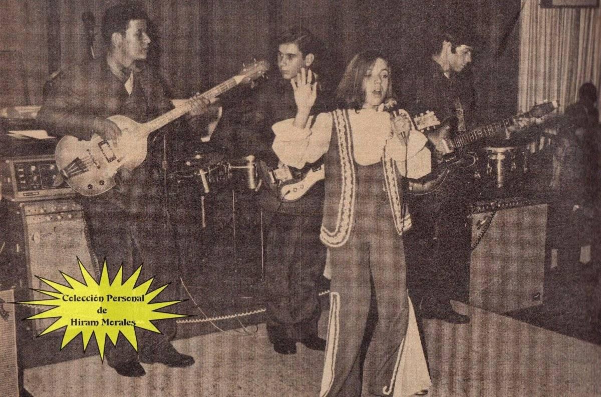 """En la primera foto vemos a Ednita Nazario con Rubén Blades y Marc Anthony, durante la presentación del musical """"The Capeman"""" (1998). En las demás, la vemos disfrutando los éxitos cultivados desde sus inicios. Fotos cortesía de la artista"""