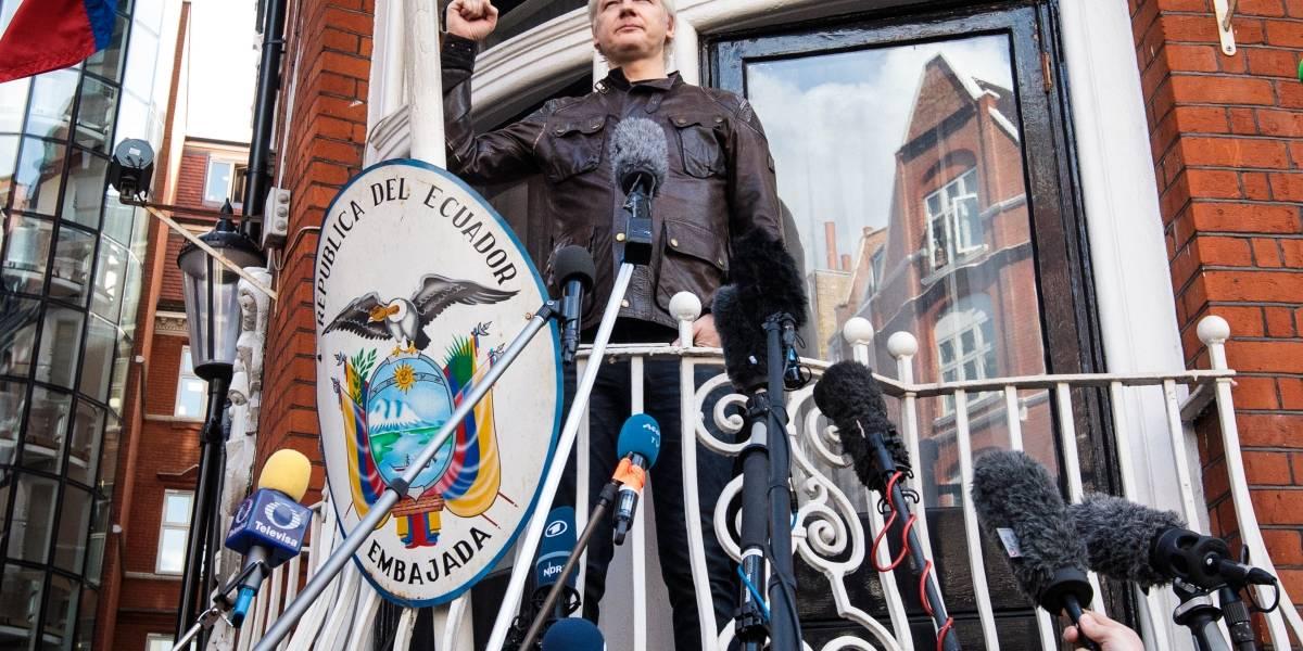 Julian Assange no podrá abandonar la embajada ecuatoriana