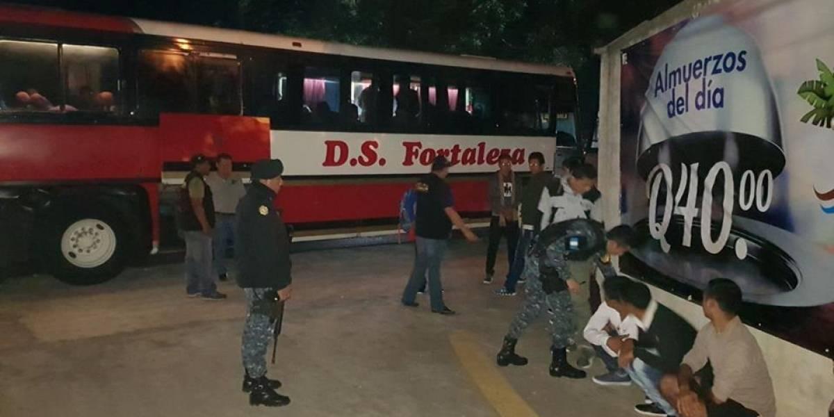 Detienen a 13 migrantes indocumentados de Nepal en Guatemala