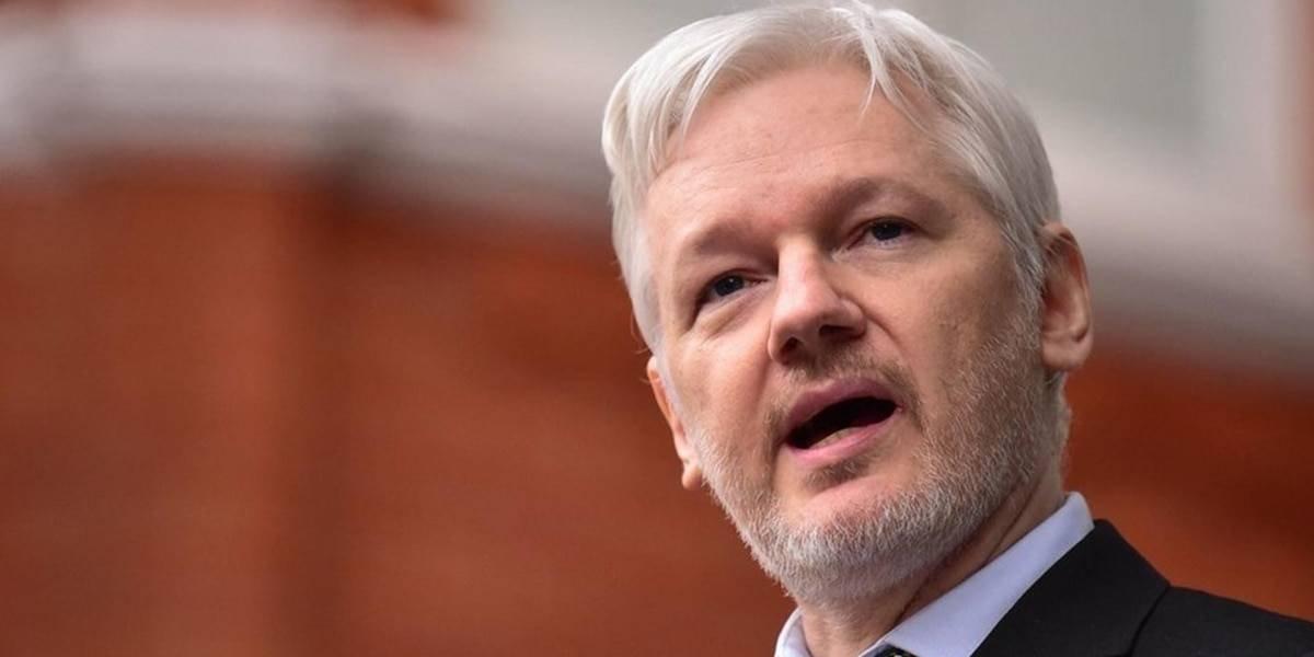 Julian Assange. Entre el arresto en la Embajada o en la cárcel