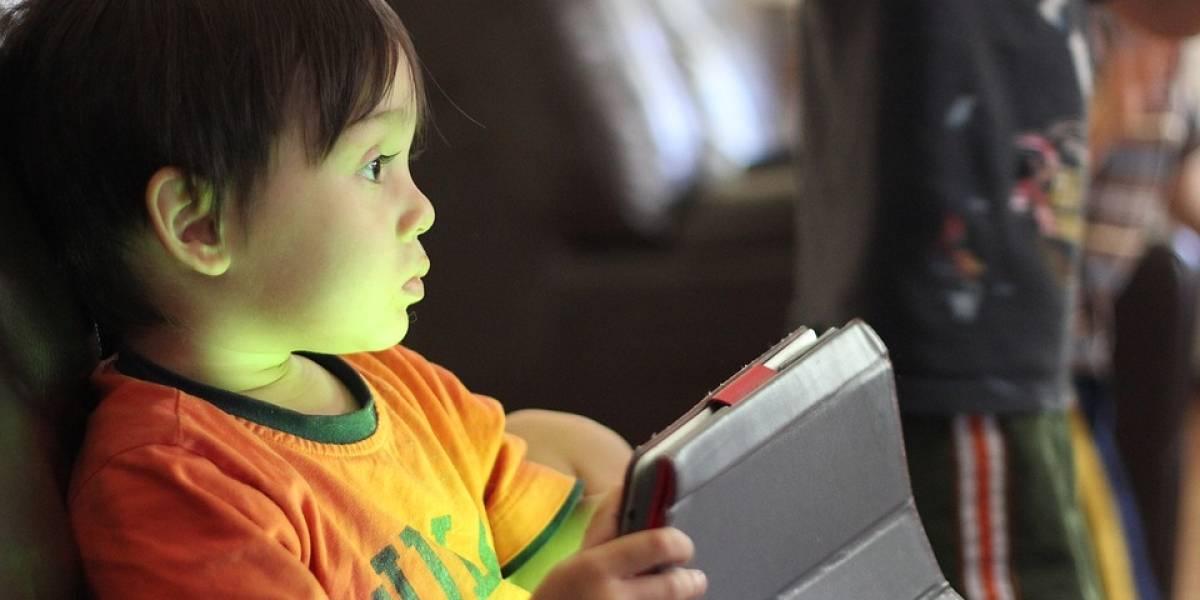 Cada día, 175 mil niños están en riesgo por tener acceso a internet