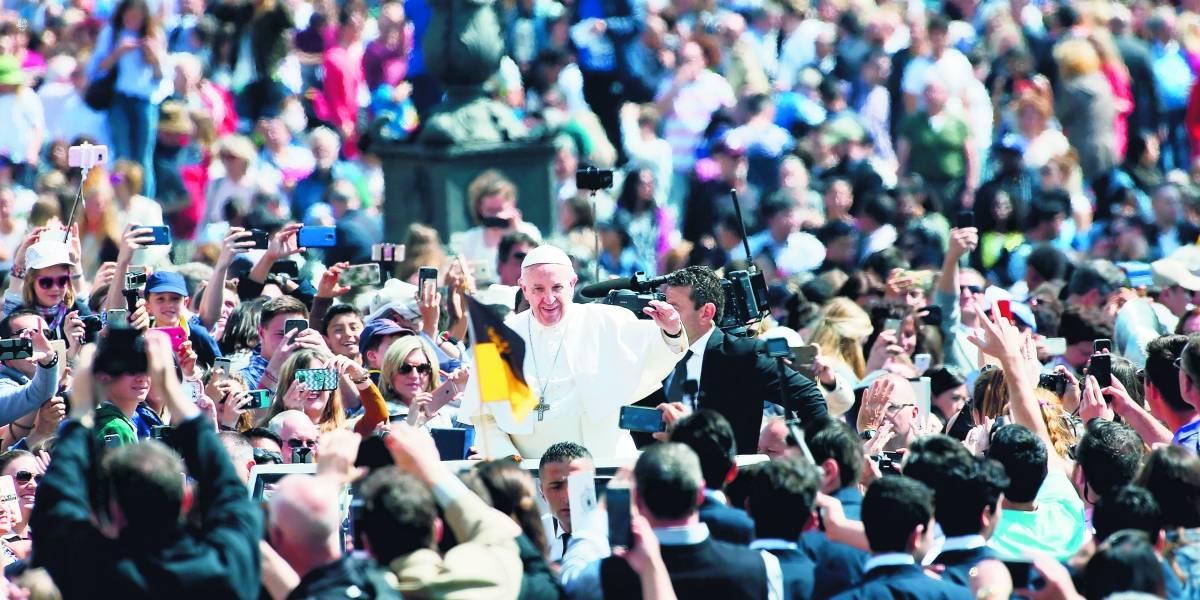 """Krzystof Charamsa: """"El papa Francisco está interesado en defender la imagen de la iglesia, no en sanarla"""""""