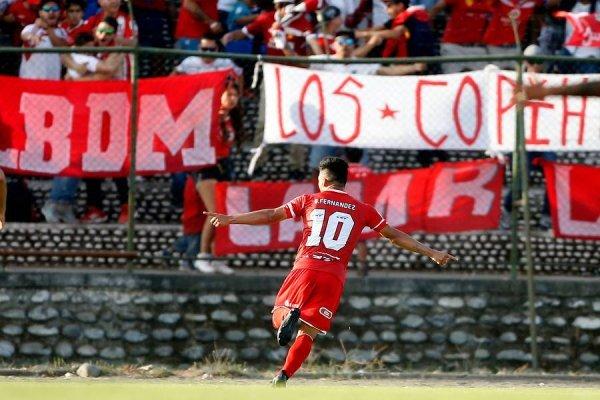 Brian Fernández se lució en su debut en Chile / imagen: Photosport