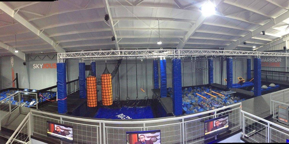 Sky Zone abre sus puertas con canchas de trampolines y actividades para todos