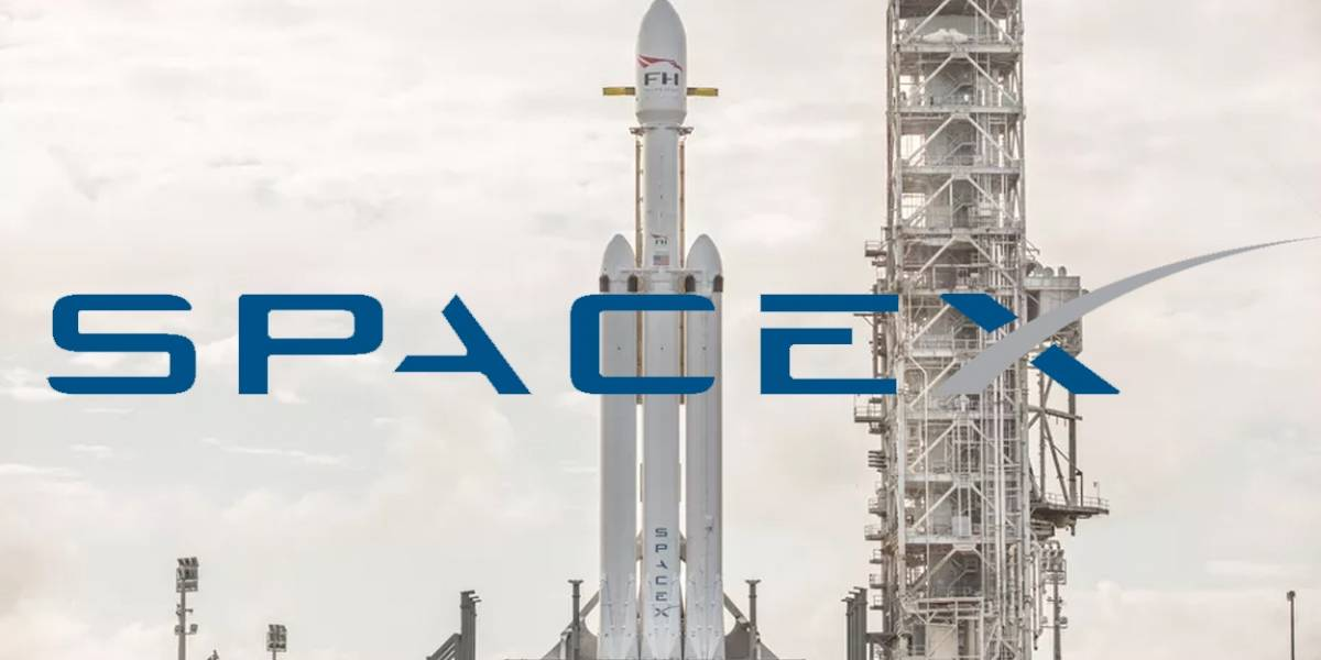 SpaceX pierde propulsor de cohete Falcon Heavy durante una misión