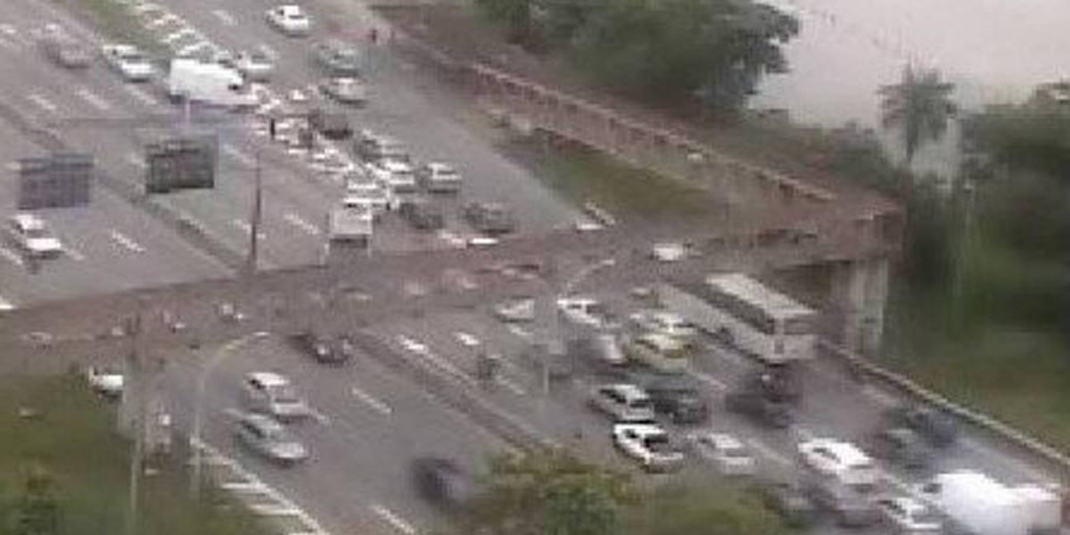 Tiroteio no Complexo da Maré, no Rio de Janeiro, deixa vias bloqueadas e uma vítima