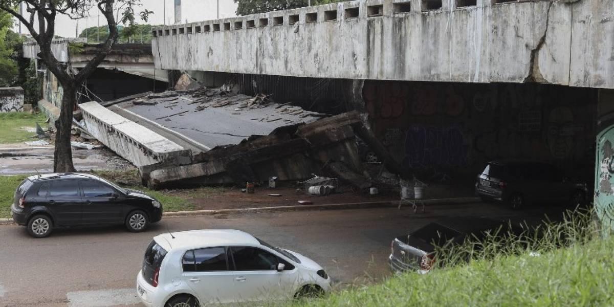 VIDEOS. Se derrumba una carretera en el centro de la capital de Brasil