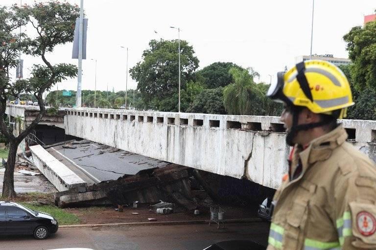 Derrumbe de carretera en Brasil