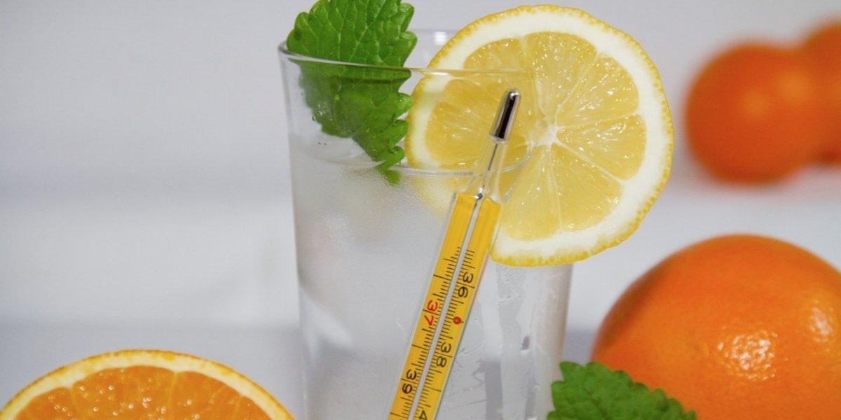Vitamina C disminuye duración del resfriado, pero no lo previene