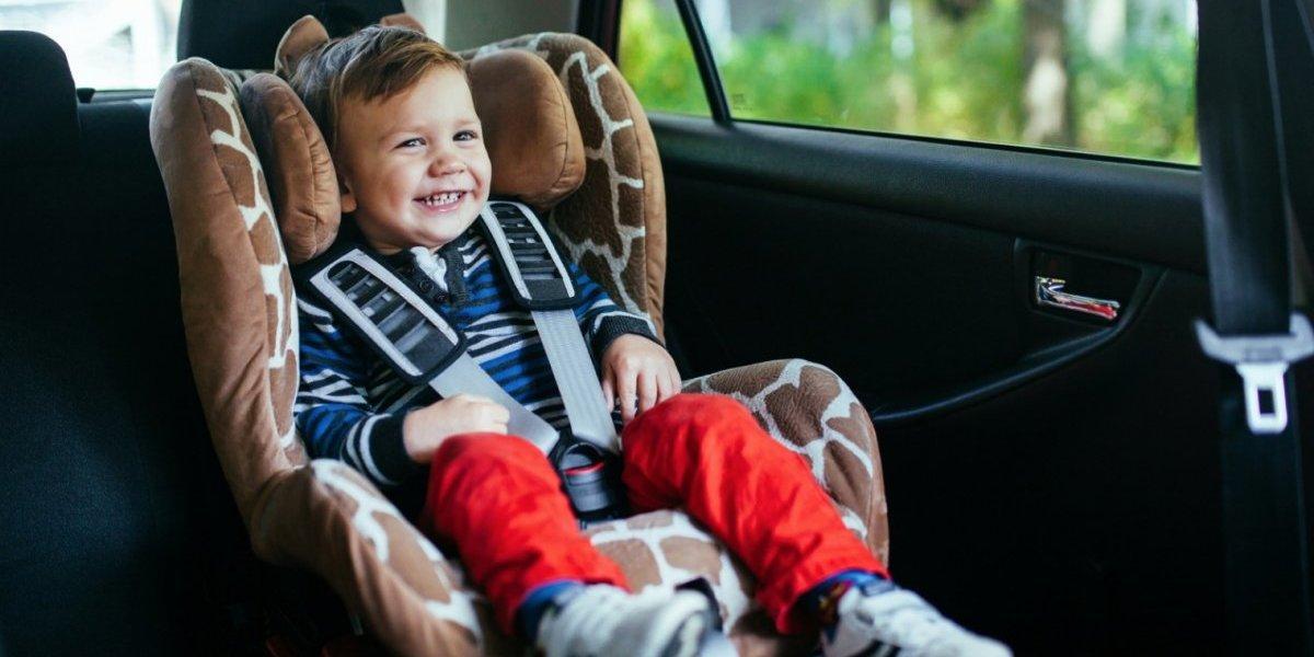 Conoce las formas correctas de viajar con tu hijo en coche