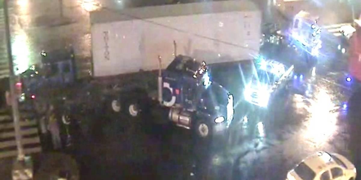 Dos trailer chocan en Trinipuerto, al sur de Guayaquil