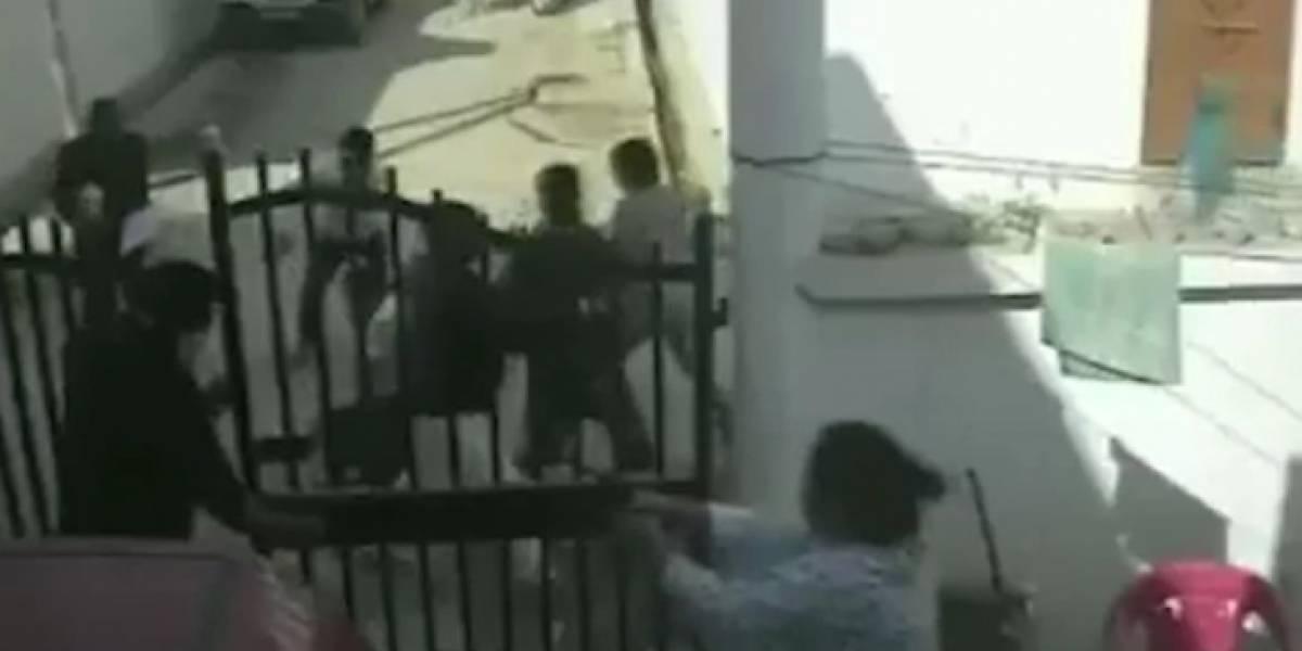 Mujer abrió fuego contra cinco hombres que golpeaban a su esposo
