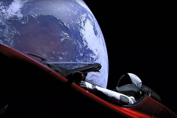 Tesla Roadster enviado al espacio por SpaceX