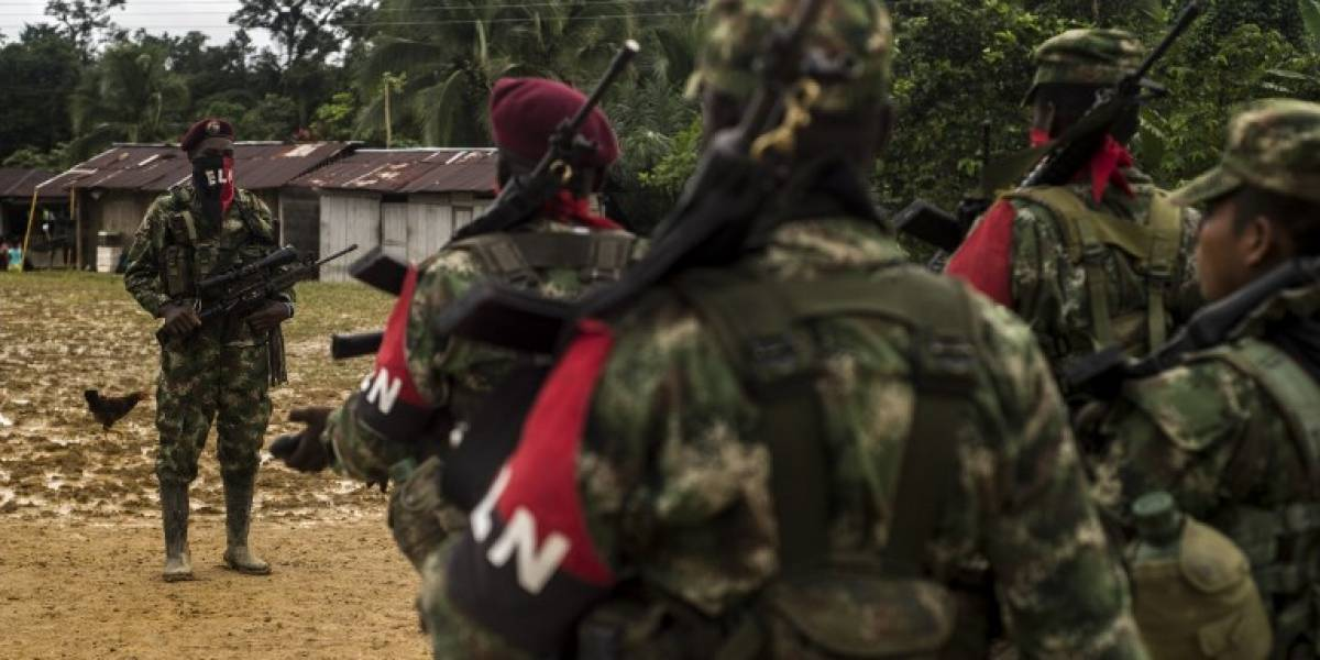 """ELN anuncia un """"cese de operaciones militares"""" por legislativas en Colombia"""