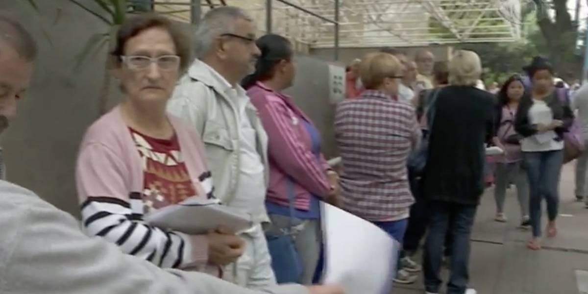 Pacientes relatam filas longas e falta de remédios no Hospital das Clínicas