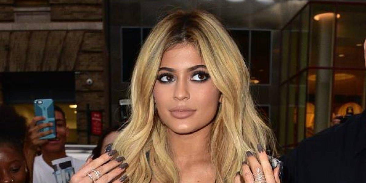 Kylie Jenner revela peculiar nombre de su hija