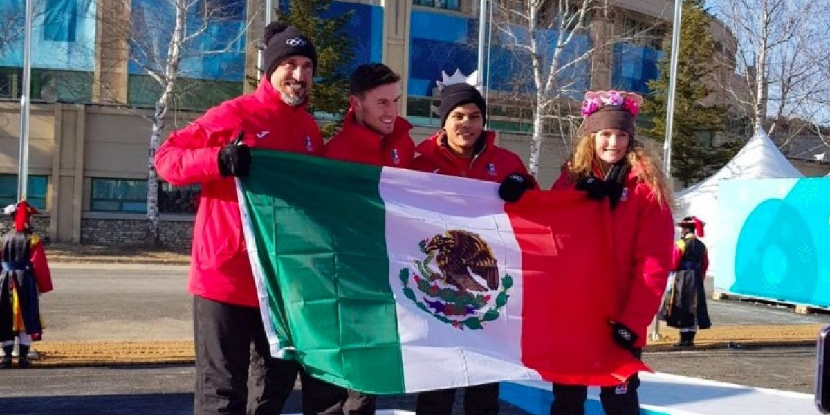 Bandera mexicana ondea en Villa Olímpica en PyeongChang 2018