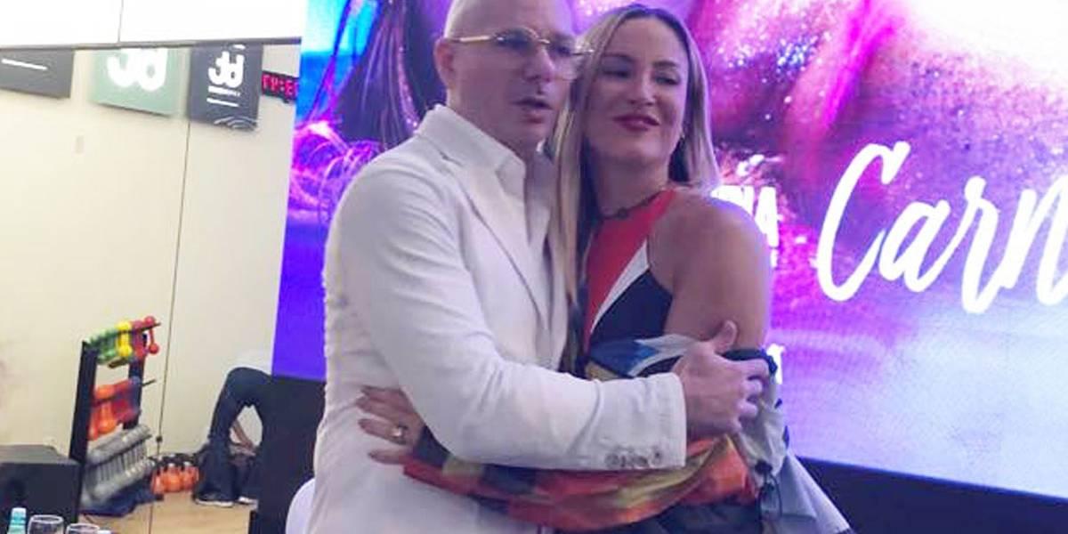 Claudia Leitte e Pitbull celebram amizade com 'Carnaval', música que mira o mercado internacional