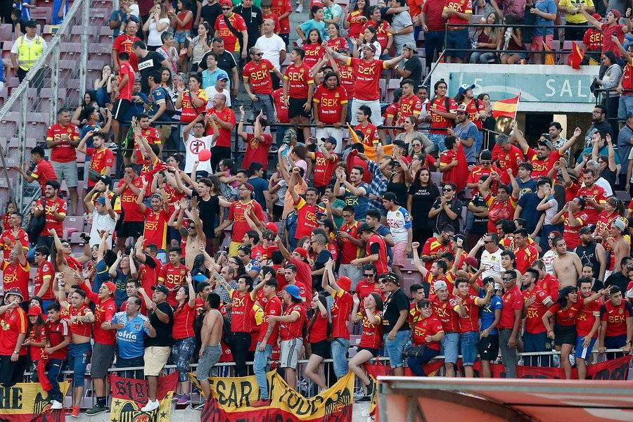 Unión Española también tuvo una importante cantidad de público en el Estadio Nacional el domingo / Foto: Photosport