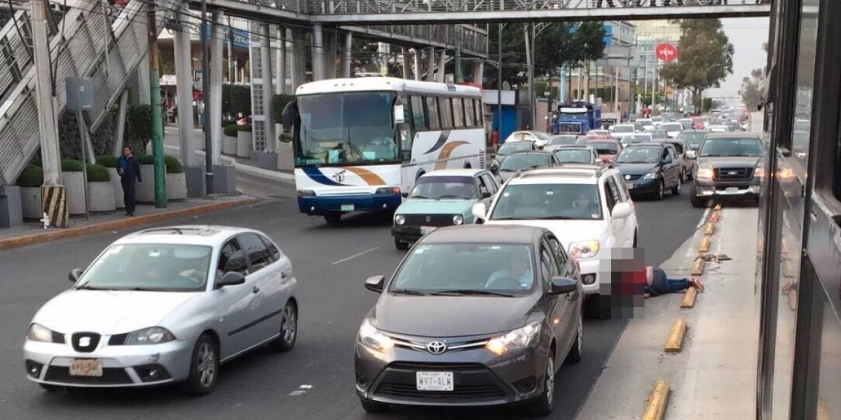 Metrobús atropella a ciclista frente a Perisur