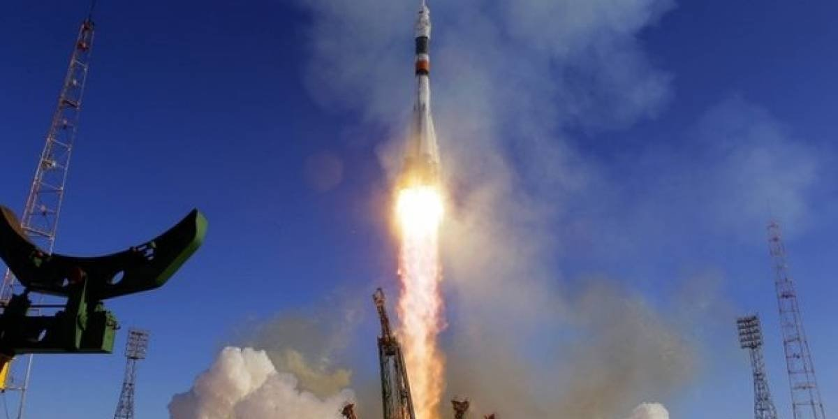 SpaceX hace historia por el lanzamiento de Falcon Heavy