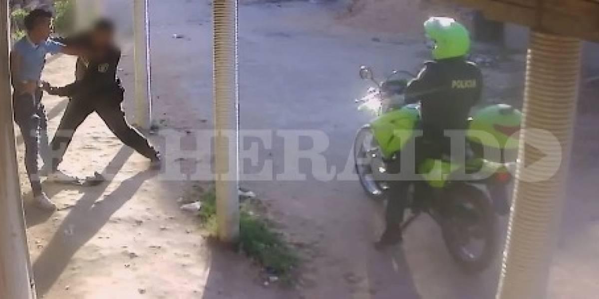¡Terrorífico! En video registran asesinato de un joven a manos de la Policía