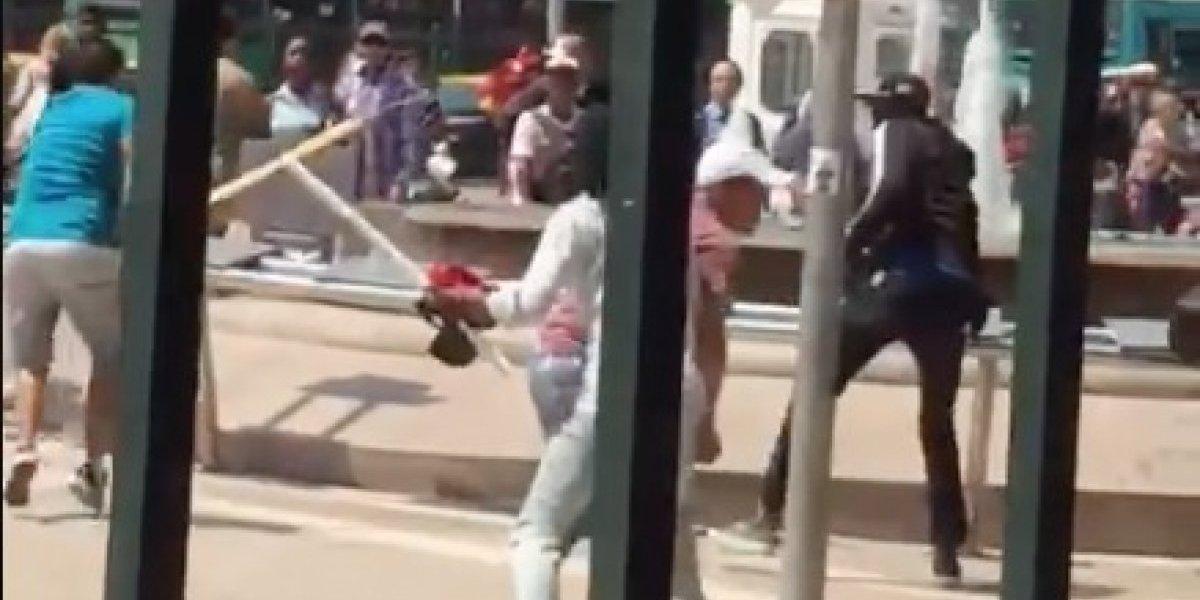 Violenta batalla de chilenos y haitianos: se golpearon a palos y desataron el pánico en transeúntes de Estación Central